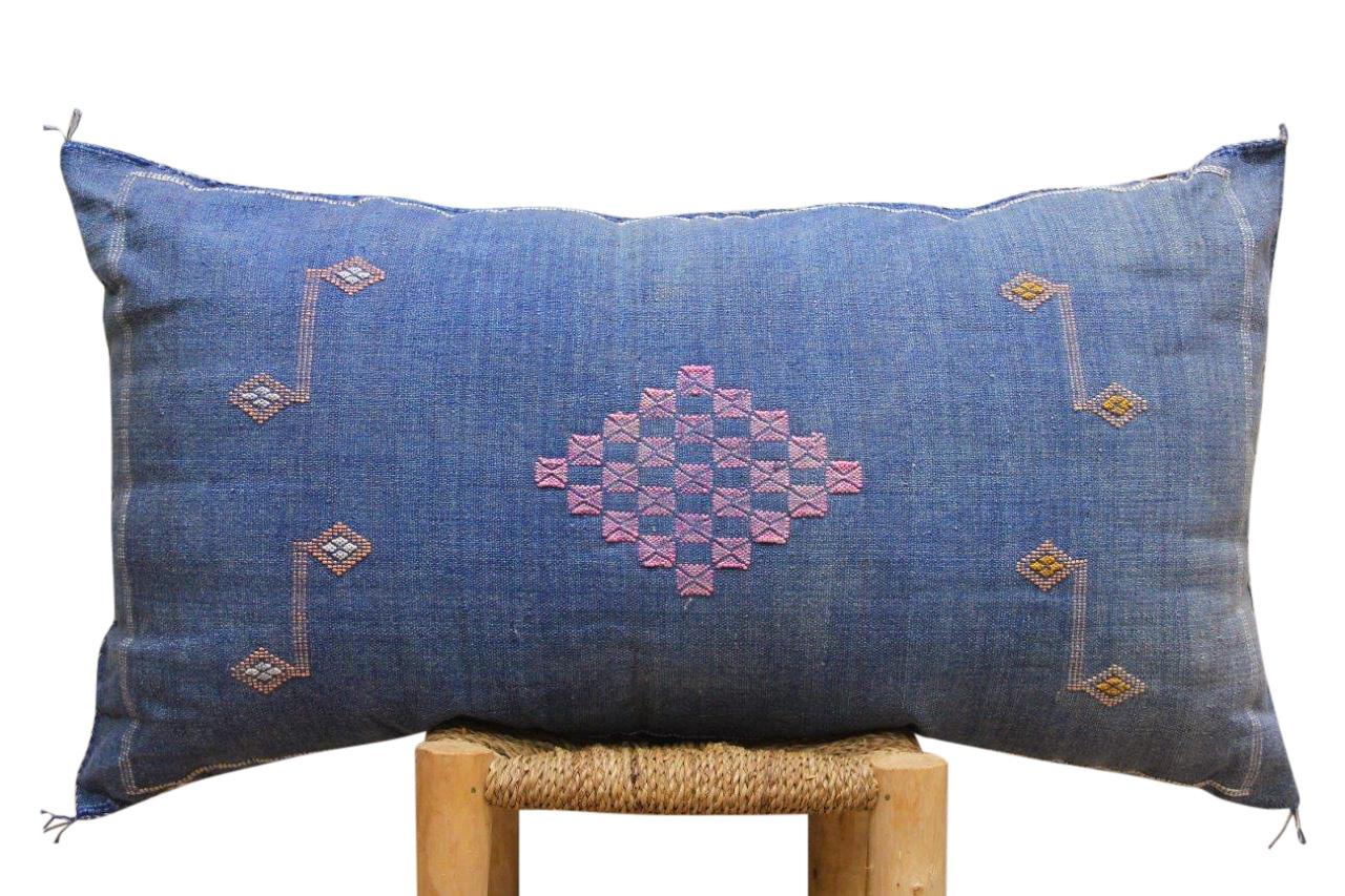 Kussen uit Marokko blauw 100cm x 50cm incl vulling nr. 42057
